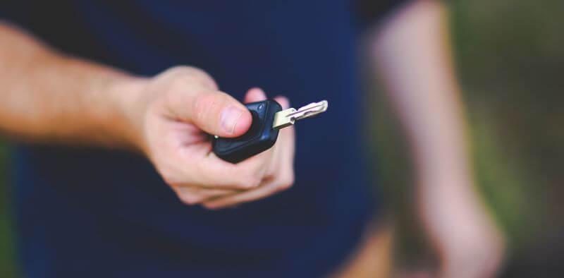 Autóbérlés kedvezõen